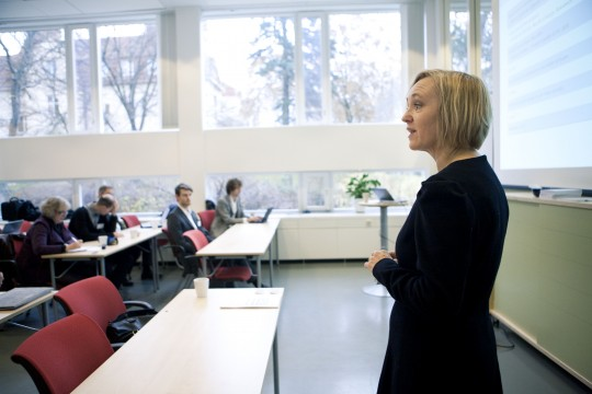 Anne Cathrine Gjærde, Director of Nordic Energy Research presents to project members at the kick-off meeting